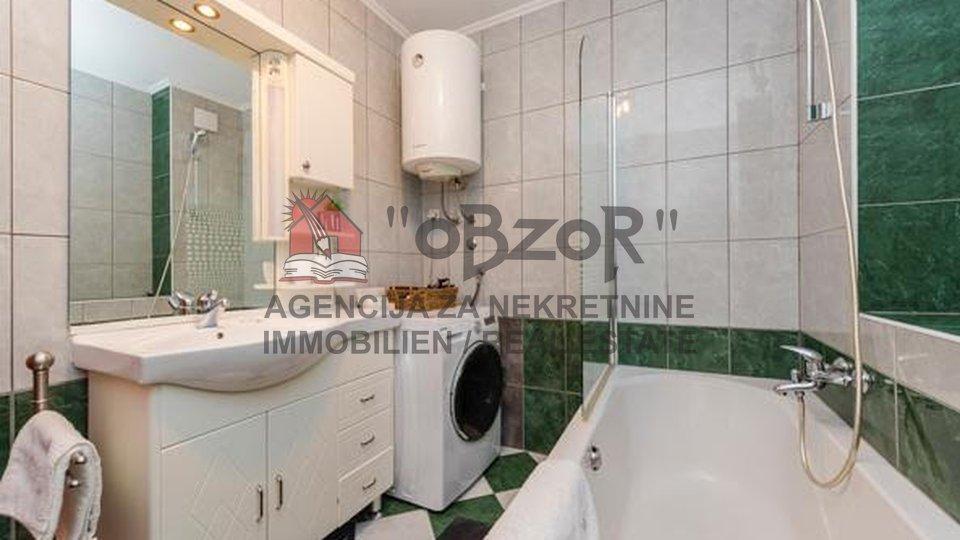 Zadar-RELJA, trosoban stan 114m2+3 garaže