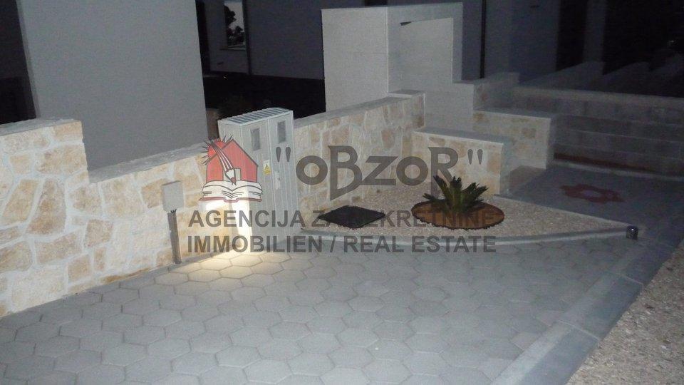 Casa, 200 m2, Vendita, Povljana