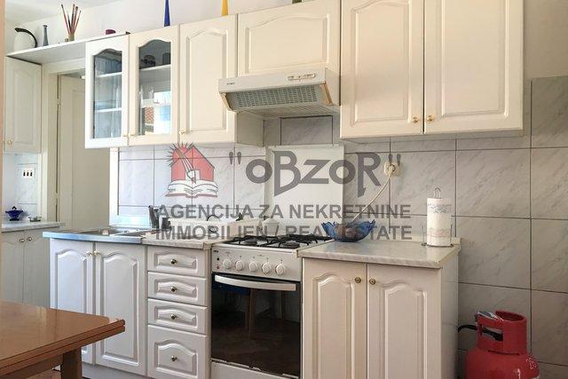 Wohnung, 35 m2, Vermietung, Zadar - Poluotok (centar)