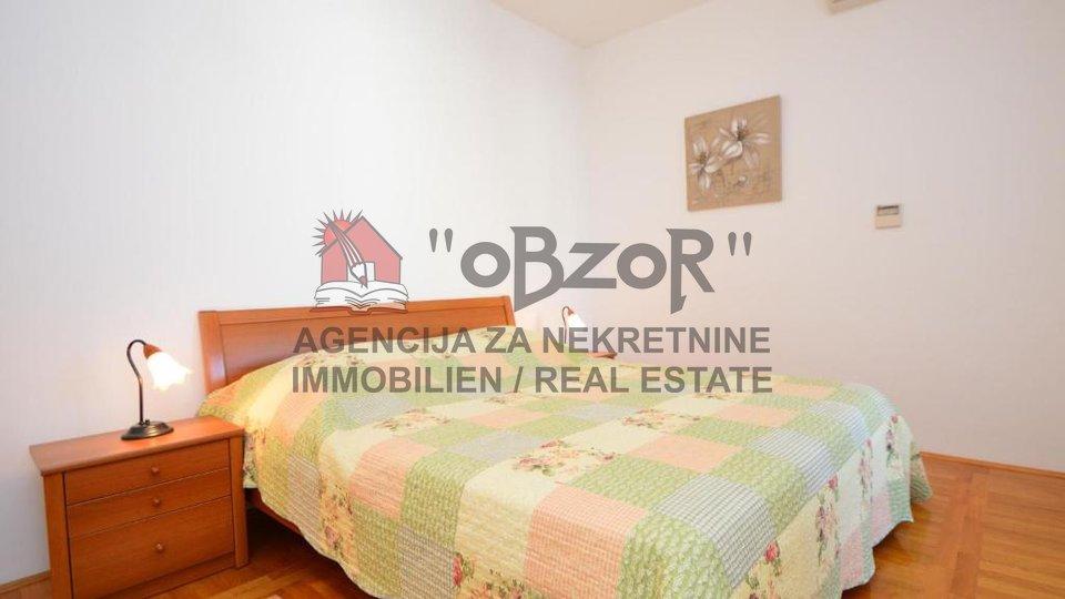 Hiša, 488 m2, Prodaja, Betina