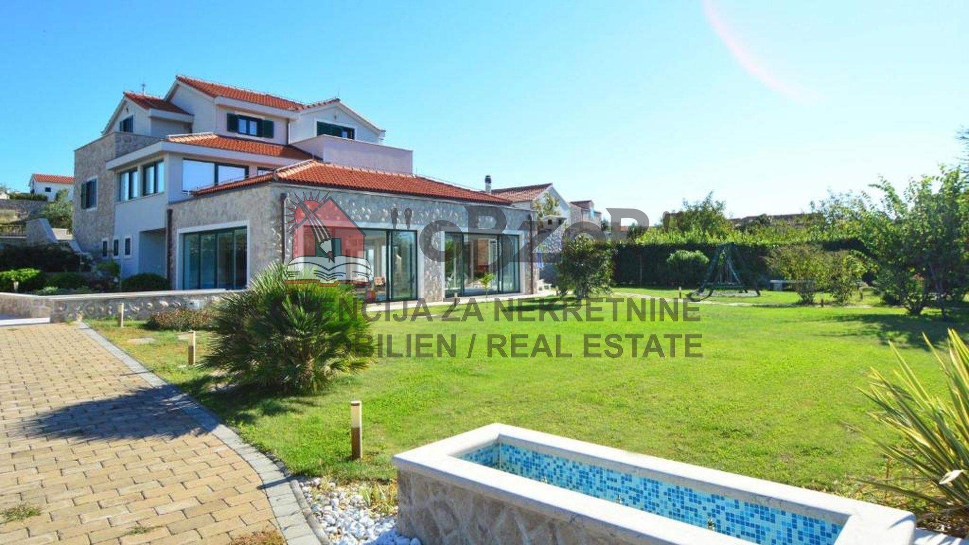 House, 488 m2, For Sale, Betina