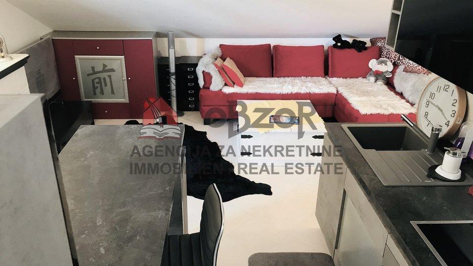 Apartma, 63 m2, Prodaja, Povljana