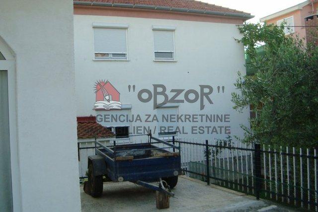 Haus, 485 m2, Verkauf, Zadar - Borik