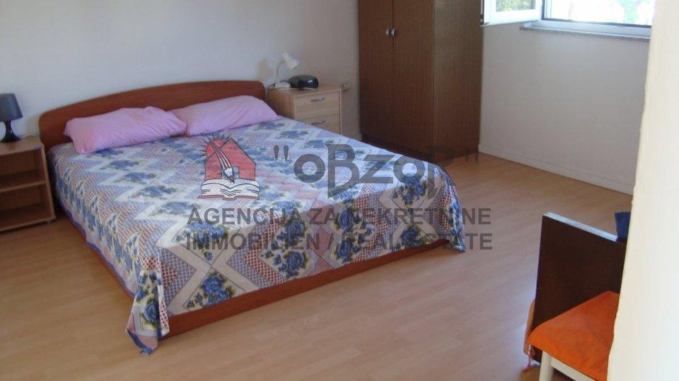 Zadar-Ričina,dvojna katnica 160m2 s dva trosobna stana