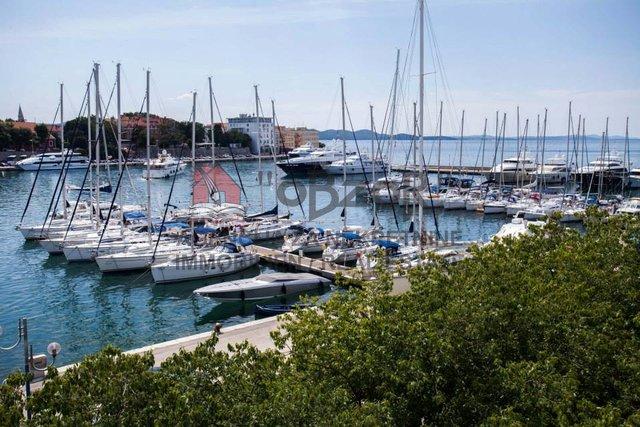 Zadar- Brodarica, trosoban stan 89,05m2-prvi red od mora SNIŽENO