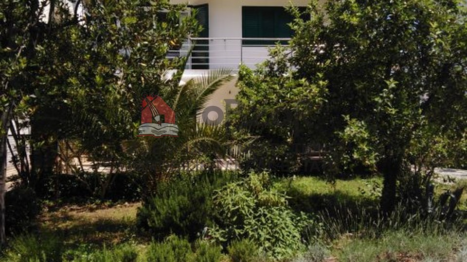 House, 330 m2, For Sale, Zadar - Borik