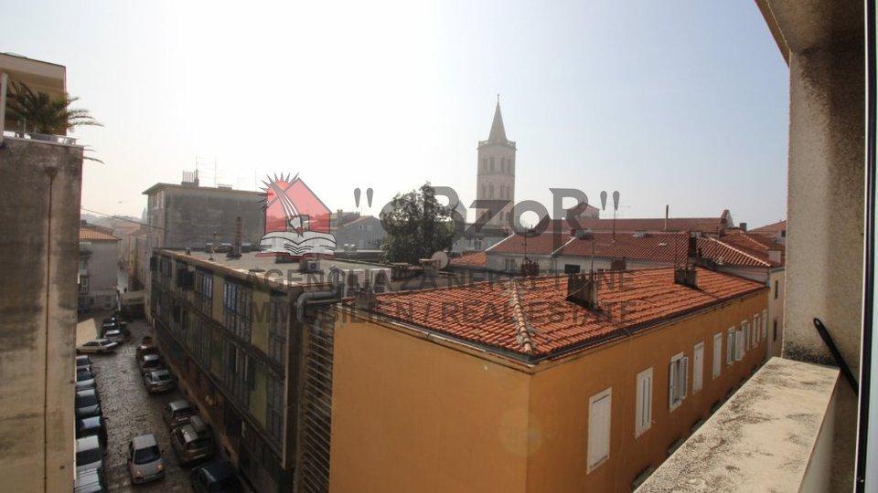 Zadar-POLUOTOK, trosoban stan 72.00 m2 s pogledom na more