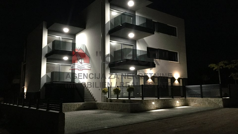 Apartma, 63 m2, Prodaja, Novalja
