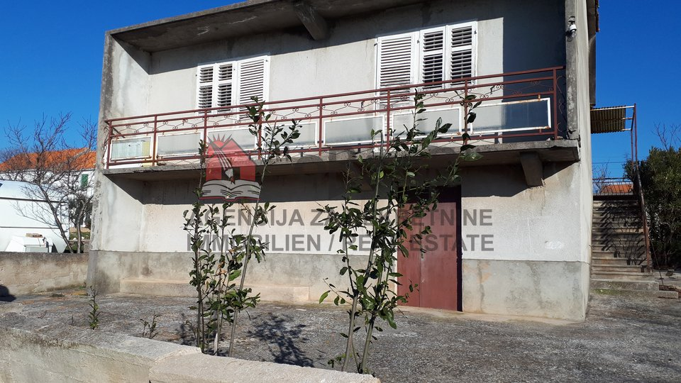 Haus, 165 m2, Verkauf, Šibenik - Jadrtovac