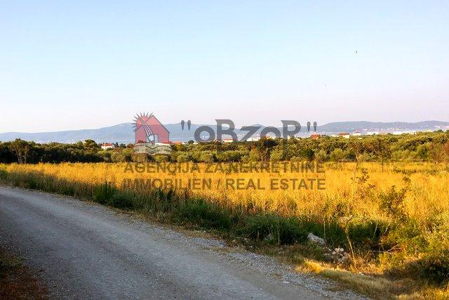 SUKOŠAN-Građevinsko zemljište 12659m2