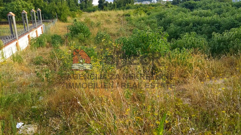 Land, 1300 m2, For Sale, Zadar - Crvene kuće