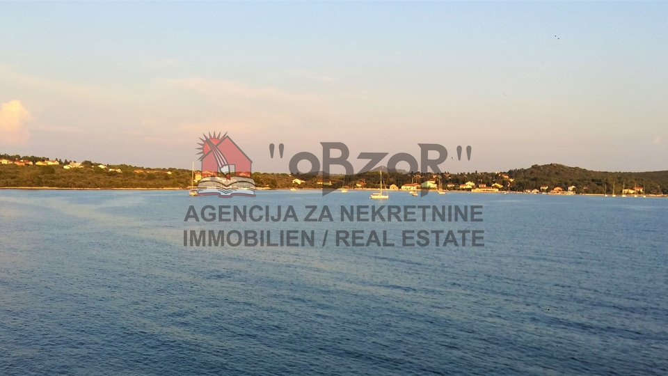 Land, 1070 m2, For Sale, Preko - Ugljan