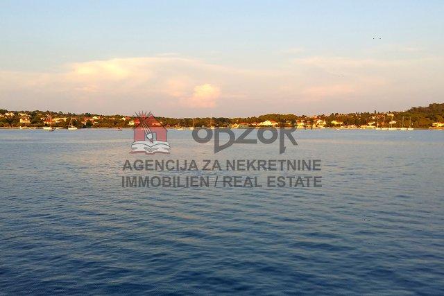Land, 1070 m2, For Sale, Preko - Ugljan