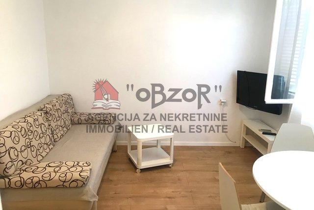 Zadar-JAZINE II, Dvosoban namješten stan