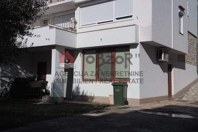 House, 380 m2, For Sale, Zadar - Borik