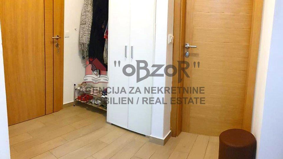Zadar-PLOVANIJA,trosoban stan 82m2+vrt 144m2